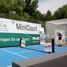 Kleine Tennis-Talente auf Sportboden wie bei den Großen - HARO Sports unterstützt Lehrprojekte der Bayerischen und Württembergischen Tennisverbände mit mobilem Profi Tenniscourt