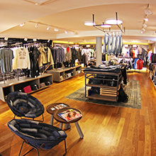 Parquet as a fashion catwalk - Mavi Flagshipstore Düsseldorf with HARO brand-name parquet