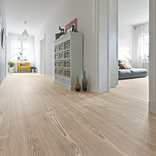 Design Floor for Healthy Living Environments - Plank 1-Strip look now with added resilience and easy care
